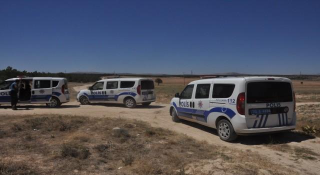 Göçmenler otobüsten inip kaçtı polis ve jandarma kovaladı