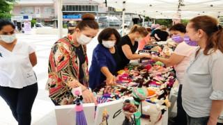 Balçovalı kadınların el emeği göz nuru ürünleri satışa çıktı
