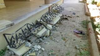Gençler meyve toplarken duvar çöktü: 4 yaralı