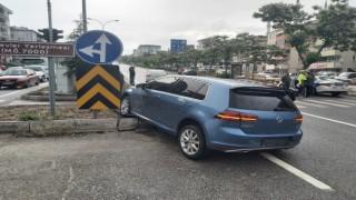 Kavşakta trafik kazası; 2 kişi yaralandı