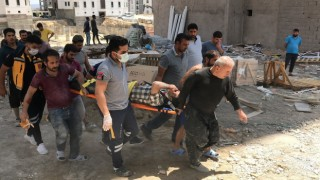 Elazığ'da inşaatın iskelesinden düşen işçi yaralandı