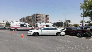 Şanlıurfa'da 3 aracın karıştığı kazada 6 kişi yaralandı